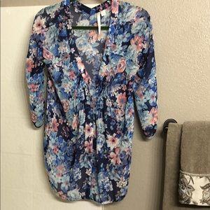 Bnwot-LC Lauren Conrad floral Blouse Sz Small